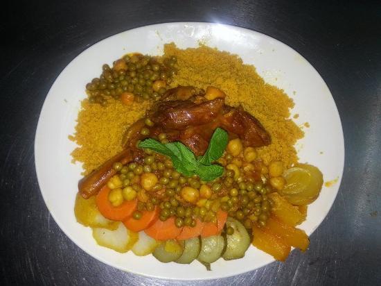 AL Pasha: couscous plate