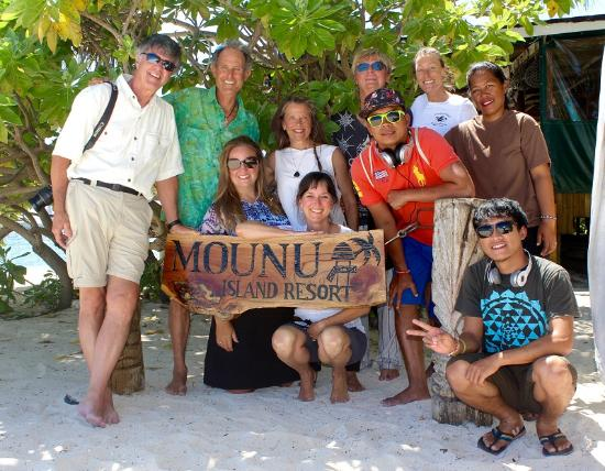 Mounu Island, Tonga: Happy Guests