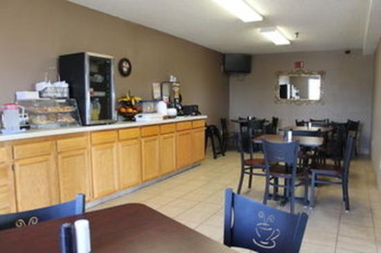 York, NE: Breakfast Room