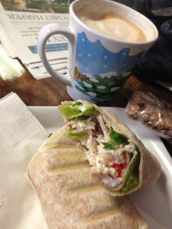 St. Marys, Канада: Super Turkey, Brie, Cranberry Wrap with my Capp
