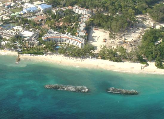 St. Lawrence Gap, บาร์เบโดส: Resort from the plane - You fly over it when you arrive