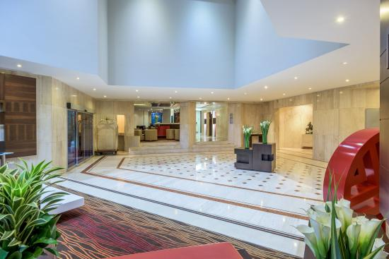 NH Collection Bogota Hacienda Royal: Lobby