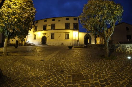 Piazza Della Rocca