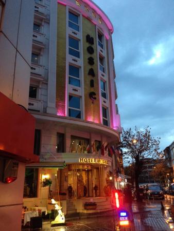 Hotel Mosaic: Вход в отель