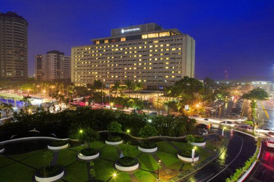 InterContinental Manila: Hotel Exterior