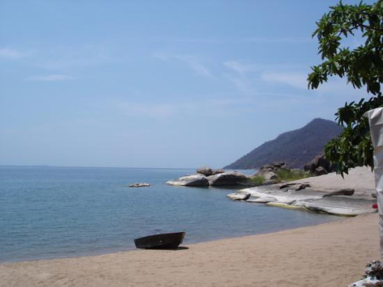 Chembe Eagles Nest: Tranquil Beach of Lake Lalawi