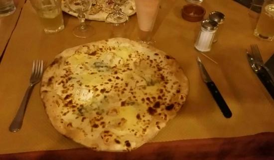 Aucamville, France : Pizza blanche 4 fromages