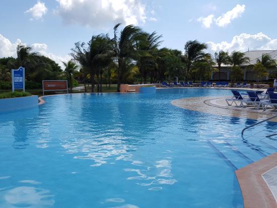 Piscina eden picture of blau marina varadero resort for Piscine varadero