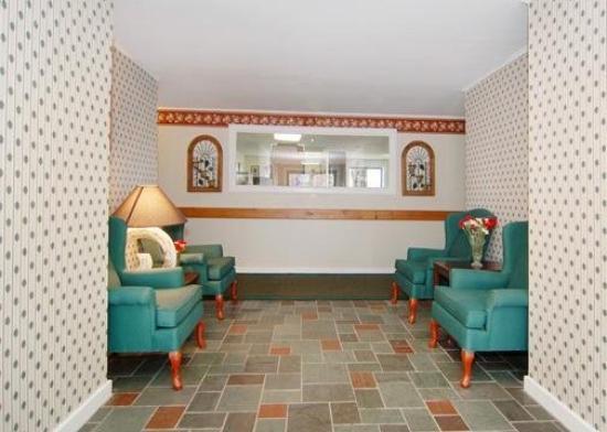 Econo Lodge Inn & Suites Denver: Lobby