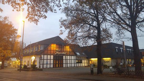 Hotel Jägerhof Langenhagen: Вечером