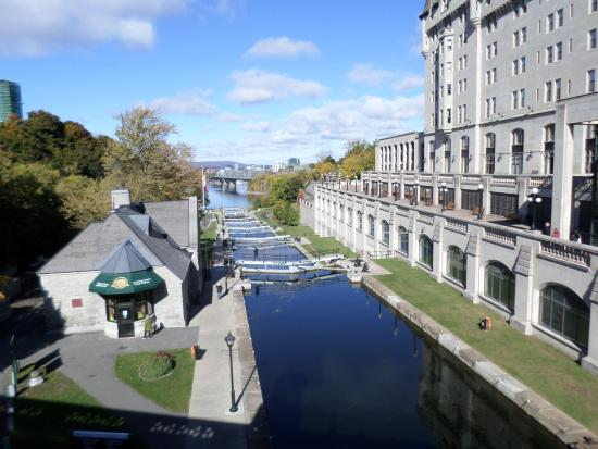 le momunent comm moratif vue de l 39 arri re photo de national war memorial ottawa tripadvisor. Black Bedroom Furniture Sets. Home Design Ideas