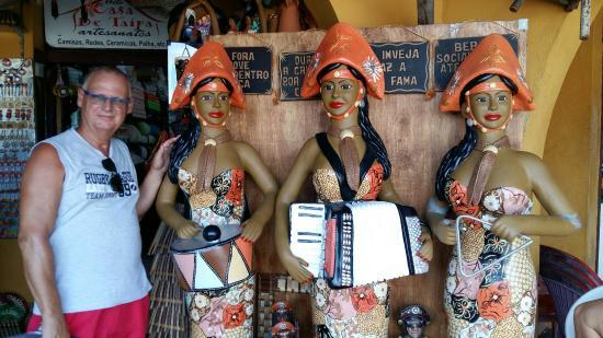 Armario Para Banheiro Com Cuba ~ Sala com esculturas, telas, tudo muito bonito Foto de