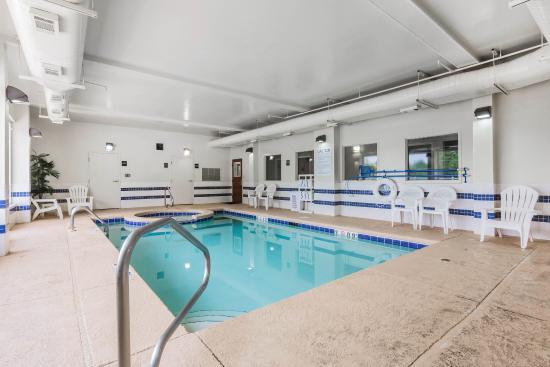 Millbrook, AL: Indoor Pool