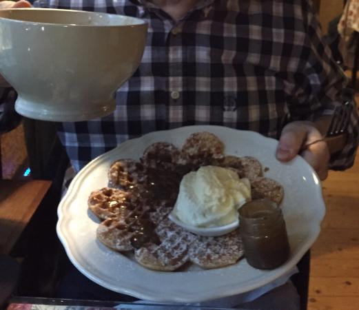 The Old Chocolate Housse: Big cup of hot chocolate and butterscotch waffle!