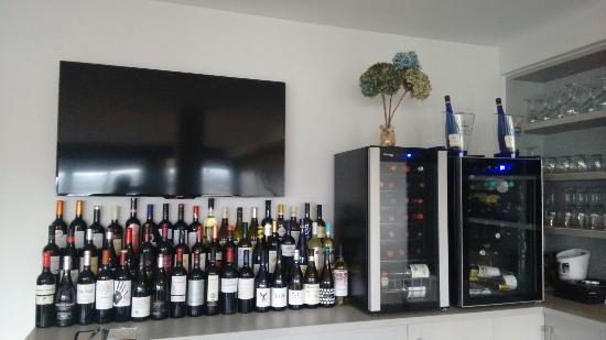 Poio, إسبانيا: Buena variedad de vinos