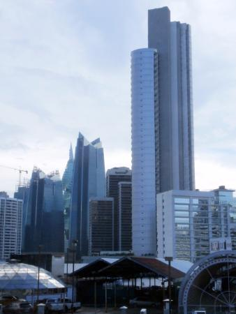 Metro Hotel Panama : View from the room