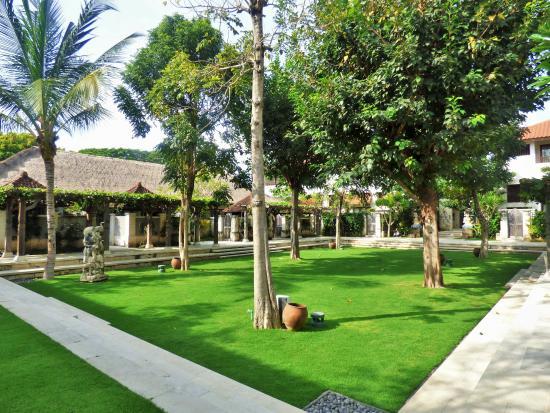 Sudamala Suites & Villas: Gardens