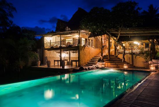 Alfajiri Villas: Night shot over pool at Beach Villa