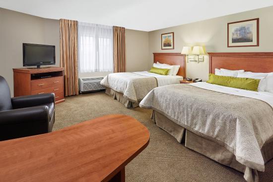 Candlewood Suites Milwaukee Airport-Oak Creek: Two Queen Studio Suite
