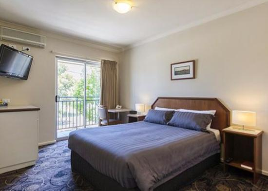 Quality Hotel Bayswater: Room