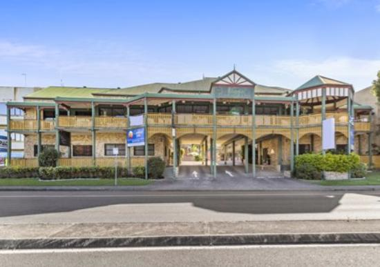 Quality Hotel Bayswater: Fasade