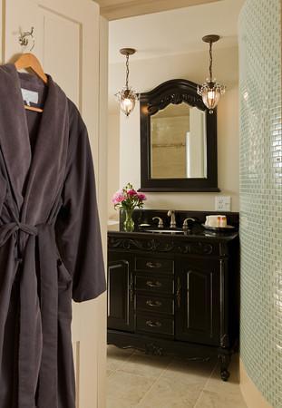 Trumansburg, NY: Chardonnay Suite Bath