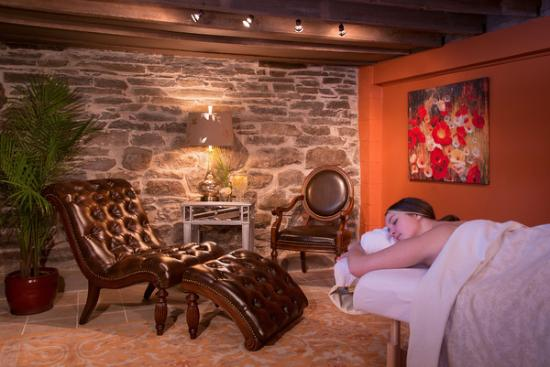 Trumansburg, NY: Decadence Spa Room at the Inn
