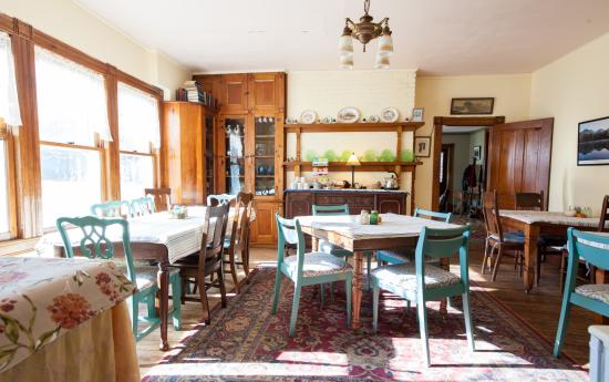 Keene Valley, NY: Breakfast is includesd with your stay