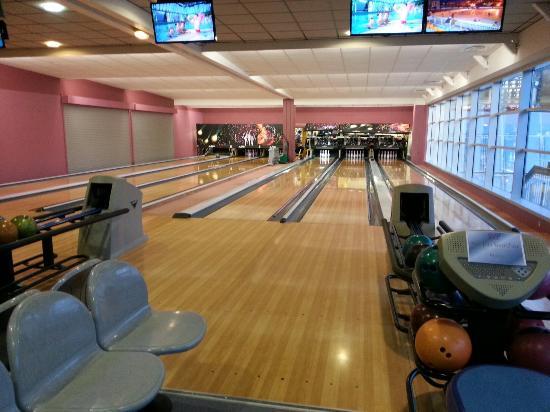 Bowling orcieres photo de complexe de loisirs et de for Orcieres piscine