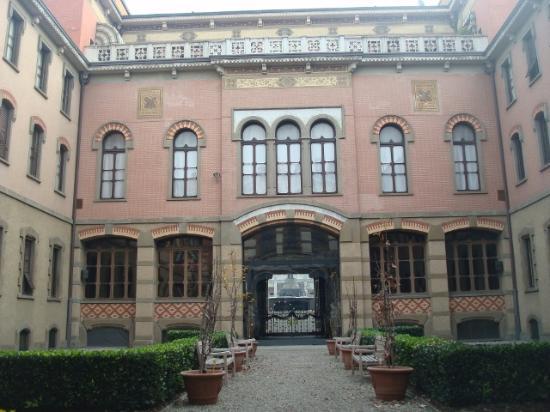 La tomba di giuseppe verdi foto di casa di riposo per for Casa di riposo milano
