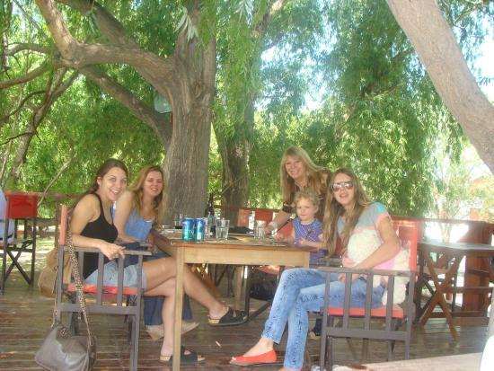 El Barco: La Posibilidad de Almorzar Afuera con mi hija y mis sobrinas