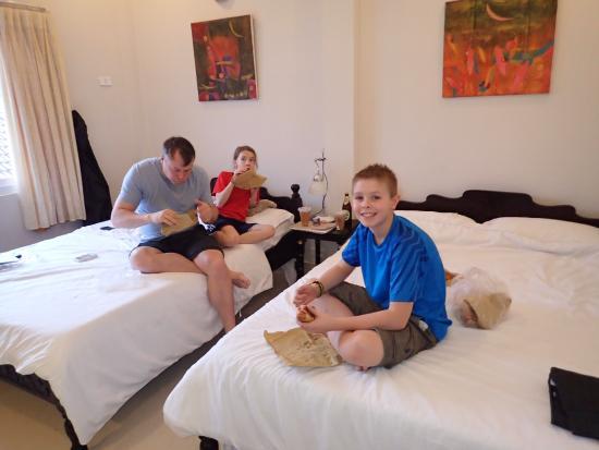 HueNino Hotel: Hotel room