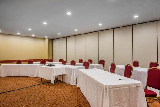 Quality Inn Kennesaw: Meeting Area