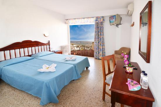 Photo of Hotel Piscis Sant Antoni de Portmany