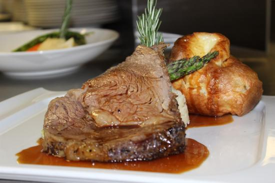 Northview Golf and Country Club: Prime Rib in the Palmer Room