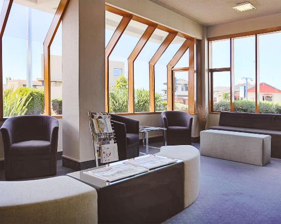 Comfort Hotel Benvenue : Lobby
