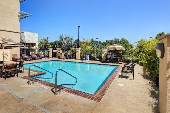 Hyatt Place UC Davis: Outdoor Pool
