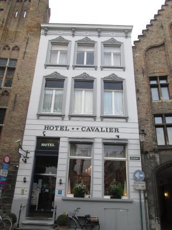 Hotel Cavalier : вид с улицы