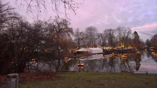 Mittelalter Weihnachtsmarkt Dortmund.Mittelalterlicher Lichter Weihnachtsmarkt Fredenbaumpark