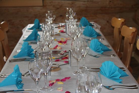 Gsteig, Suiza: Tisch