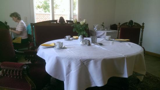 Pension Potsdam: Mesa de desayuno