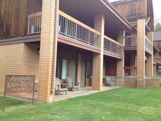 Driftwood Lodge: photo1.jpg