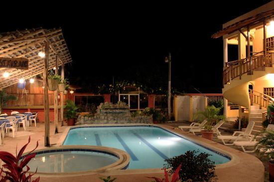 Hotel Cielo Azul La Tranquilidad De Nuestro Elecimiento En Noche