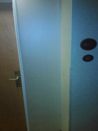 Econo Lodge Inn & Suites : Room 104