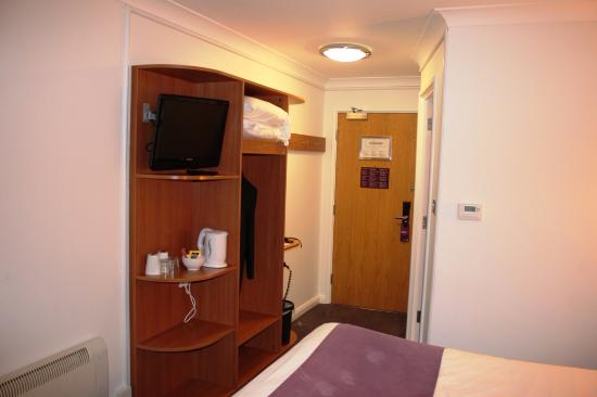 Premier Inn Wakefield South (M1, Jct39) Hotel : View of the room