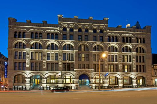 Hilton Garden Inn Milwaukee Downtown: Exterior
