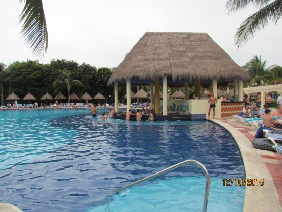 Foam party at coba pool picture of luxury bahia principe for Hotel luxury akumal
