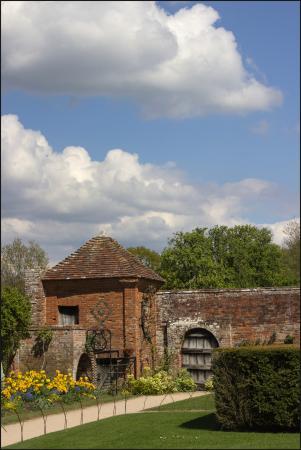 Lapworth, UK: Packwood House
