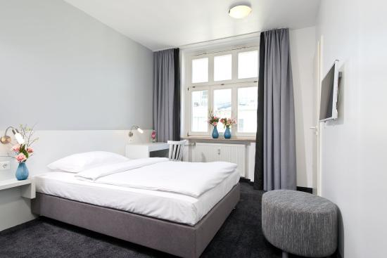 CALMA Berlin Mitte: Room12
