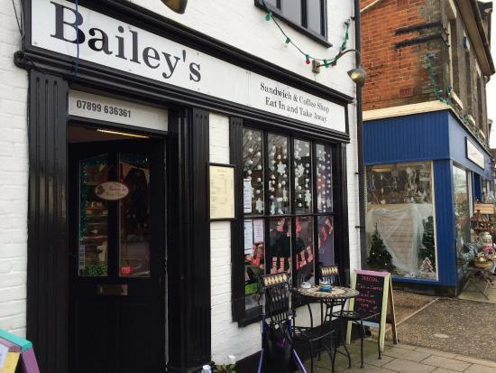 Attleborough, UK: Bailey's Sandwich & Coffee Shop
